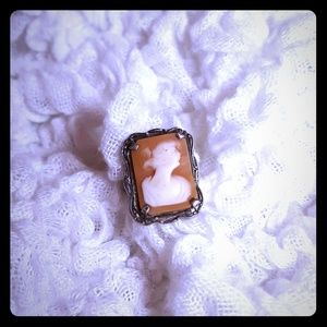 👸Late 1800's Vintage Cameo Ring👸